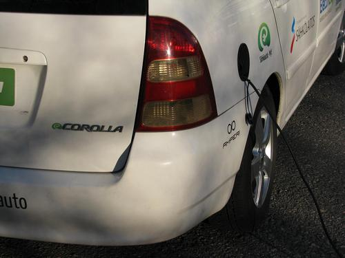 eCorolla2_Charging_closed.JPG